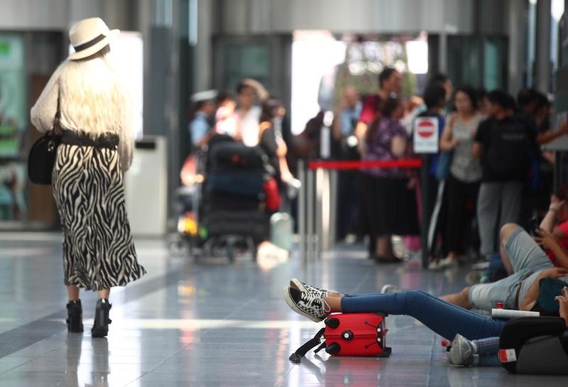 Resultado de imagen para munich airport cancelled flights