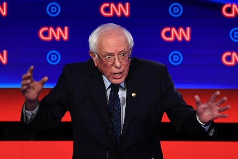 Presidential hopefuls Sanders, Warren face showdown in New