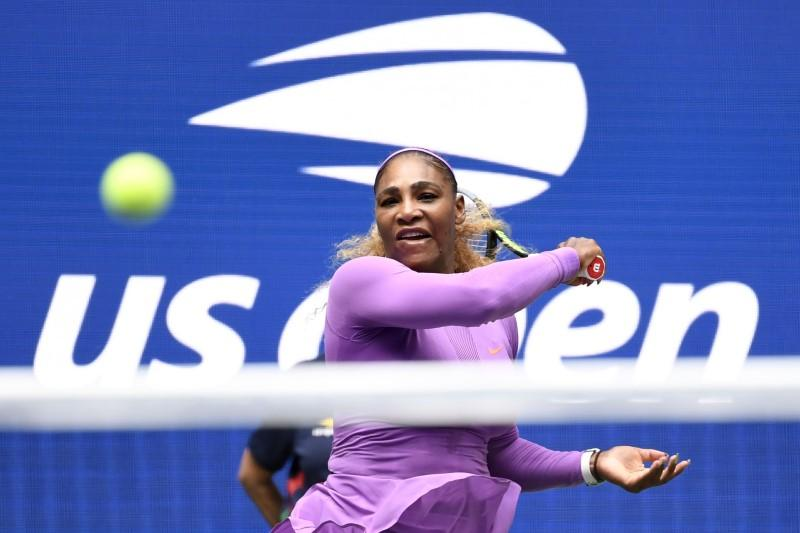 Serena Williams through to the fourth round of the US Open