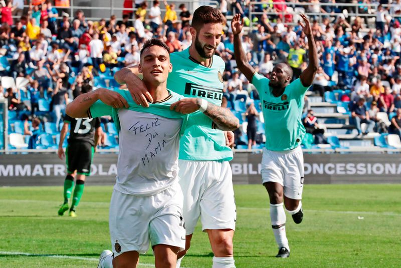 Romelu Lukaku scores twice as Inter Milan beat Sassuolo 4-3
