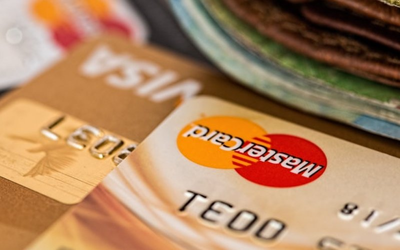 Credit card spending increases year-on-year