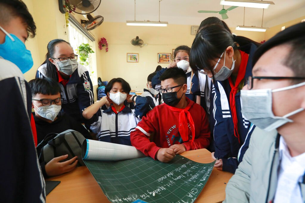 Vietnam quarantines commune of 10000 over virus fears