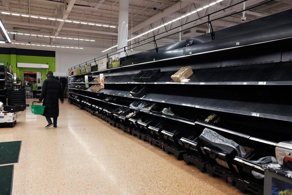 Panic buying, hoarding forces British supermarkets to impose ...