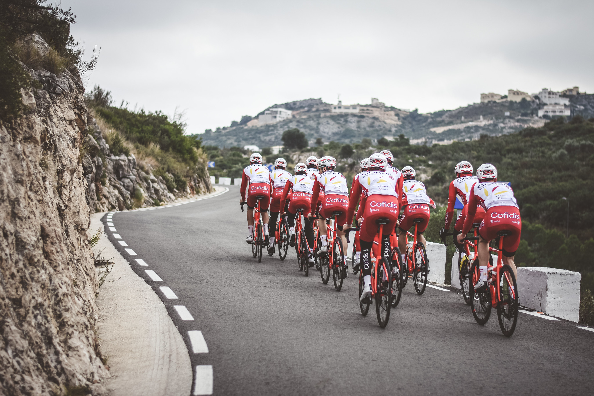 UAE announces 6 more virus cases linked to abandoned cycle tour