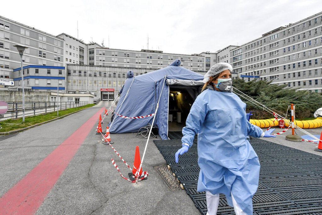 Italy Sets Up Emergency Field Hospitals In Fight Against