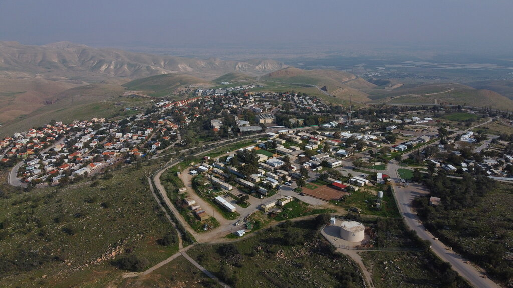 Israel West Bank annexation looms as unity government sworn in