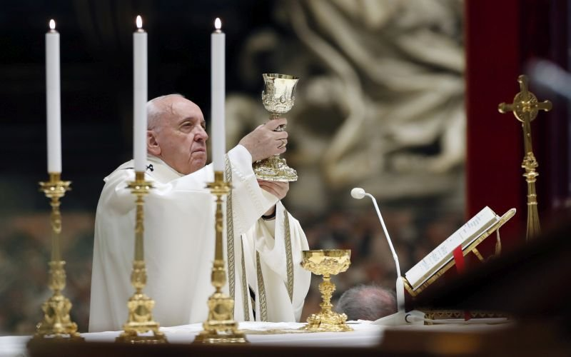 Pope calls for lifting of sanctions, debt relief, universal ceasefire