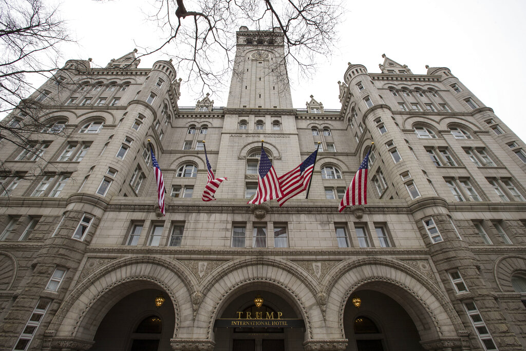 Appeals court reinstates lawsuit over Trump's hotel profits