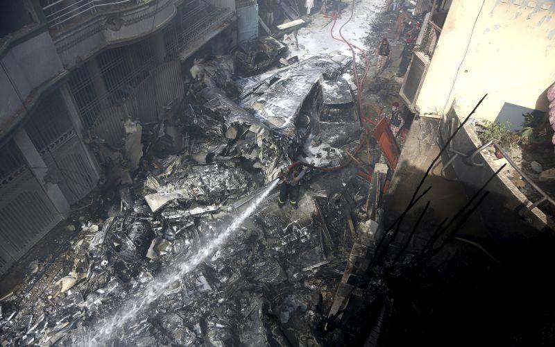 pakistan plane crash - photo #12