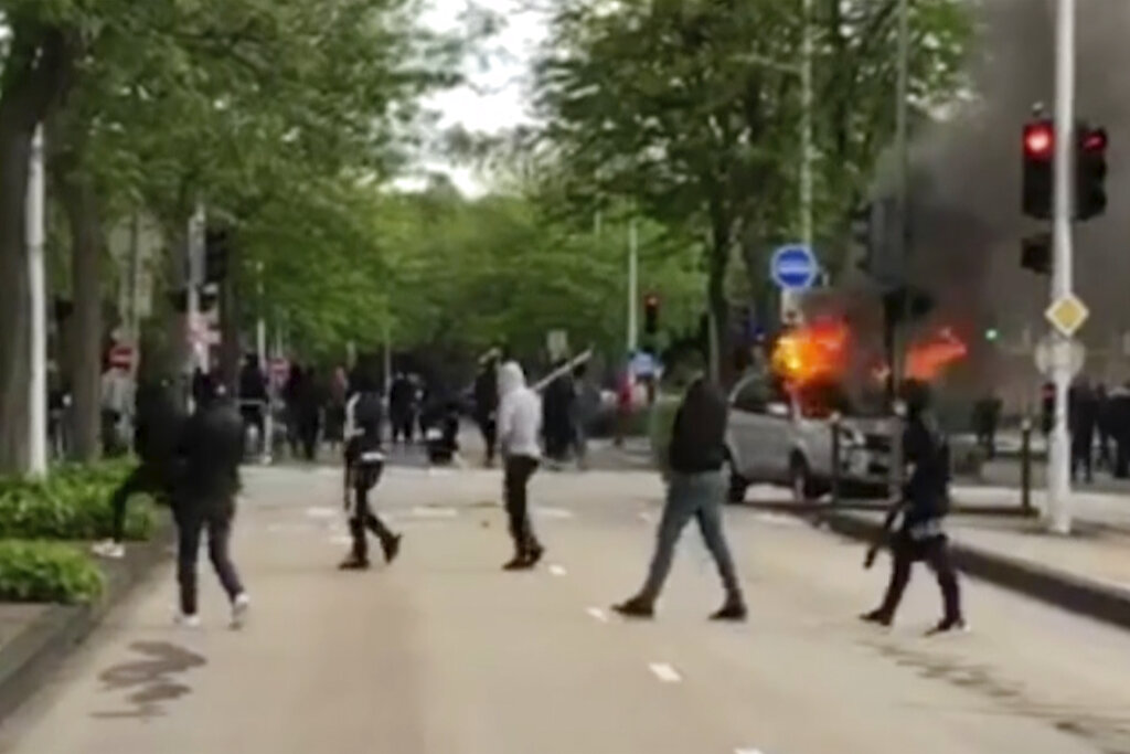 France arrests 6 Chechens in raids after successive nights of violence