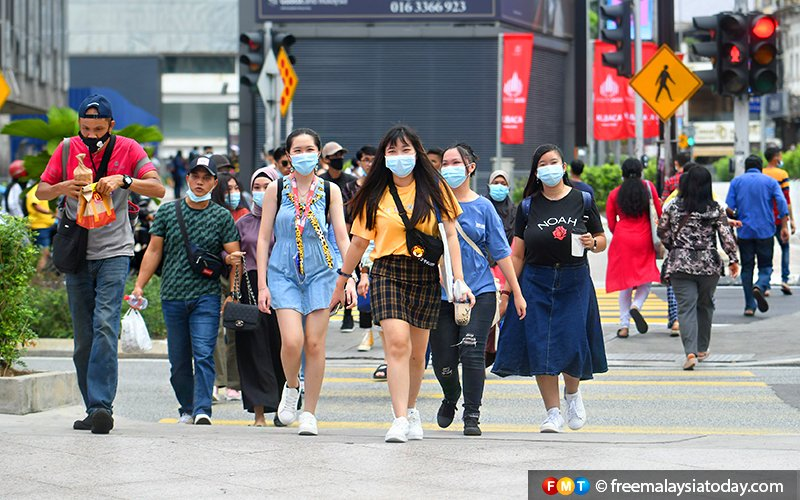 Experts call for system to combat PPE pollution