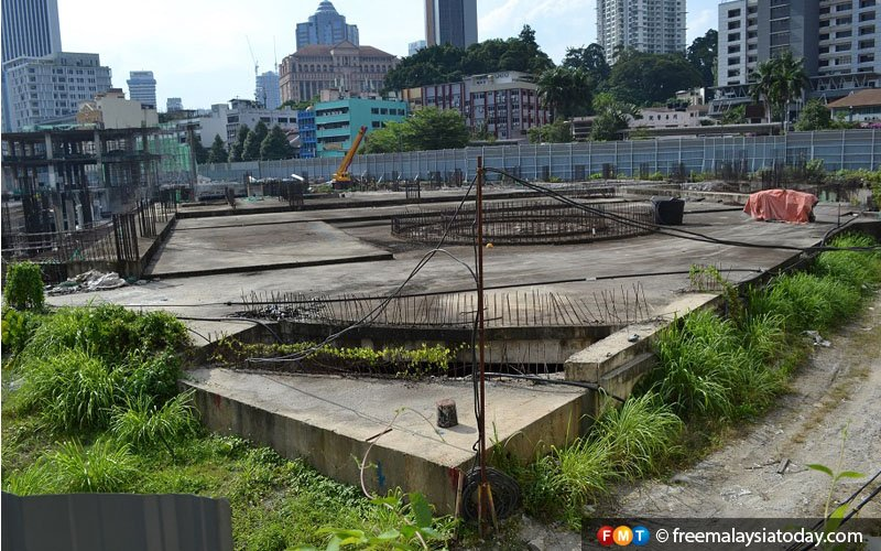The sore sight of the abandoned Plaza Rakyat stands at the site of the Selangor Chinese Recreation Club (SCRC) ground, Jalan Pudu.