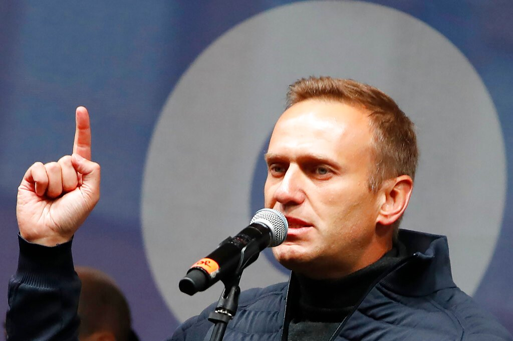 Russian cops raid home of Navalny ally over trick call