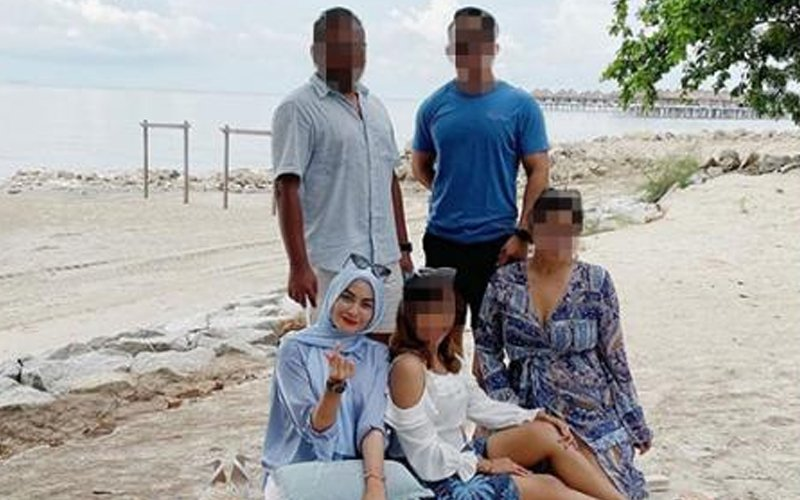 DAP rep apologises after netizens slam her over beach photo   Free Malaysia Today