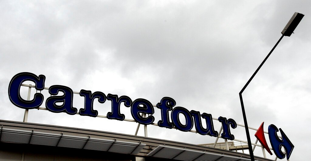 Couche-Tard's potential bid for Carrefour runs into French government's objection