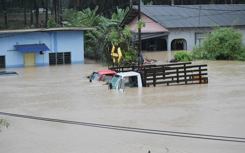 Banjir di Johor semakin buruk, 7 daerah terjejas | Free ...