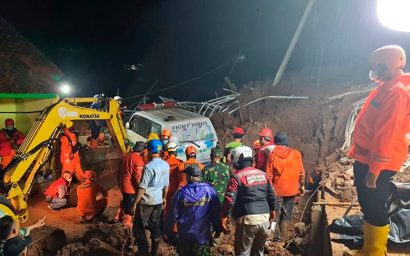 Scores Missing in Deadly Indonesia Landslides