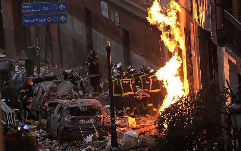 Building partially destroyed by large explosion in Madrid's city centre