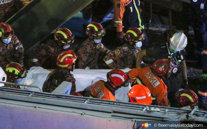 2 maut, struktur jejambat di Lebuhraya Sungai Besi-Ulu Kelang runtuh | Free Malaysia Today (FMT)