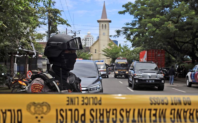 Church Bombing Devastates Makassar, Indonesia