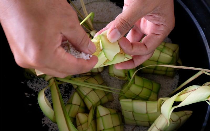 Make it a meaningful Hari Raya