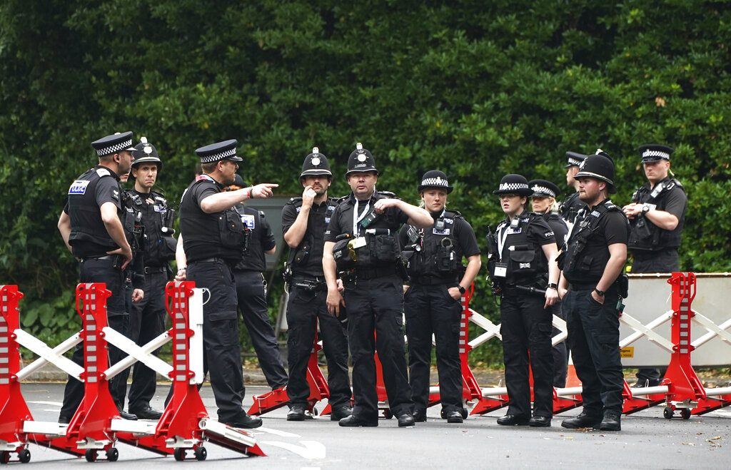 London police worked to 'protect itself' in murder probe, says report