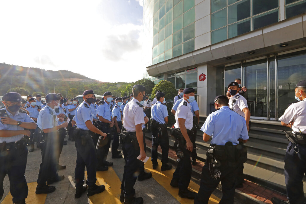 Hong Kong police arrest newspaper editors for 'foreign conspiracy'